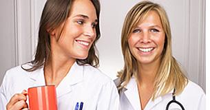 Angehörige der Gesundheitsberufe, die mit Spanisch sprechenden interagieren mehr fähig, ihre Arbeit zu tun, wenn sie wissen, Spanisch