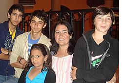 Spaans voor tieners, kan je tiener leven met een lokaal gastgezin naast zich inschrijven in het Spaans Lessen